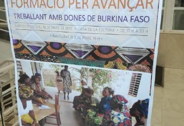 Exposició sobre projectes de cooperació sobre les dones de Burkina Faso