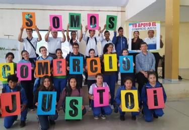 Charla-coloquio que Laura López, de la cooperativa Manduvirá de caña de azúcar orgánica y de comercio justo de Paraguay