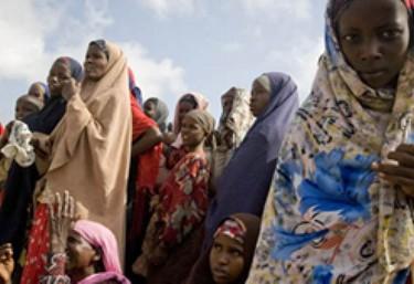 Las ONGD piden reducir la inversión en armas y destinar los fondos a cooperación