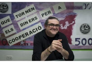 """""""Blasco convierte las mentiras en verdad"""", entrevista en El País a Carles Xavier López, presidente de la Coordinadora Valenciana de ONGD"""