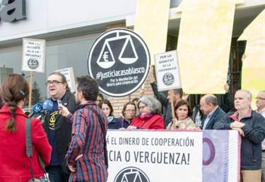Representantes de ONGD valencianas y del movimiento Pobreza Cero demandan frente a la Fundación Cyes la devolución de los fondos extraídos de cooperación
