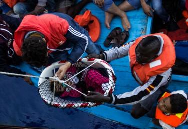 """Las ONG responden a Frontex: """"Si rescatar a personas en el mar es un delito, que nos detengan"""""""