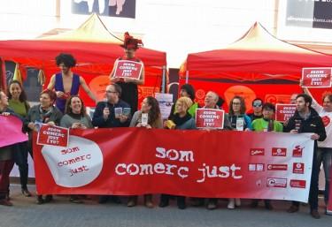 #SomComerçJust Las organizaciones de Comercio Justo recuerdan la importancia del consumo responsable en las fiestas navideñas
