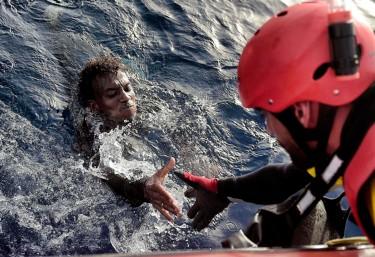 """Gravísimas declaraciones del ministro del Interior:  """"Hay que concienciar a las ONG de que se está para ayudar y no se está para favorecer o potenciar la inmigración irregular"""""""