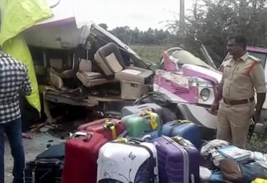 Mueren cuatro españoles en un accidente de autobús en India