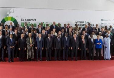 Cumbre UE-África: 2 días para los Jefes de Estado, 6 minutos para la sociedad civil