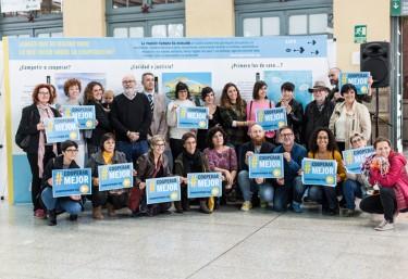 La estación de València Nord acoge una exposición con nueve ilustradoras valencianas que desmontan mitos sobre la cooperación