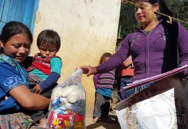 Iniciamos tres programas de acceso a la salud integral en Guatemala, El Salvador y Perú