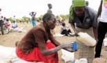 Farmamundi y la GVA distribuyen medicamentos, mosquiteras y kits de higiene a familias congoleñas refugiadas en Uganda