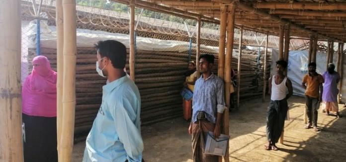 La confirmación del primer caso de coronavirus en los asentamientos de refugiados rohingyas pone en alerta a los equipos de salud pública