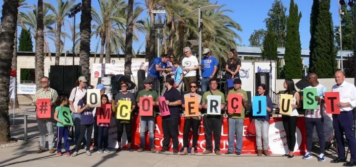 Gracias_por_hacer_posible_el_Dia_Mundial_de_la_Cooperacion_y_el_Comercio_Justo_en_Castellon