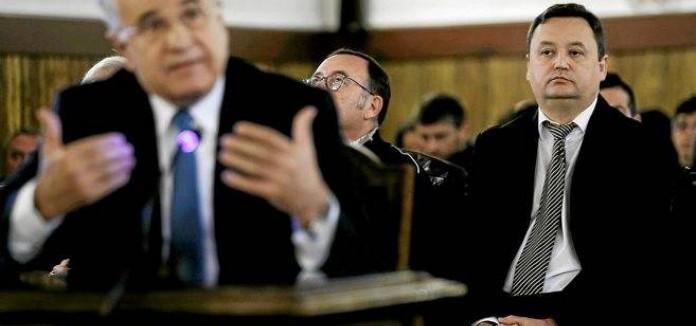 #CASOBLASCO:_Tauroni_a_la_Conselleria:_Los_que_realmente_nos_interesa_que_no_salgan_estan_en_rojo
