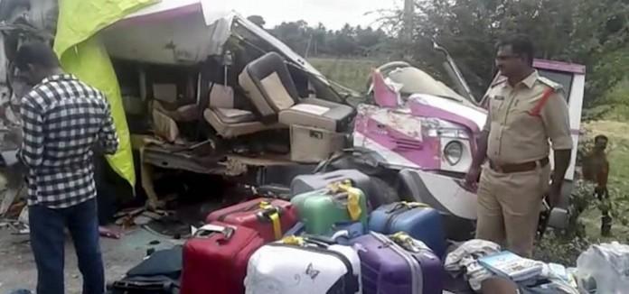 Mueren_cuatro_espanyoles_en_un_accidente_de_autobús_en_India