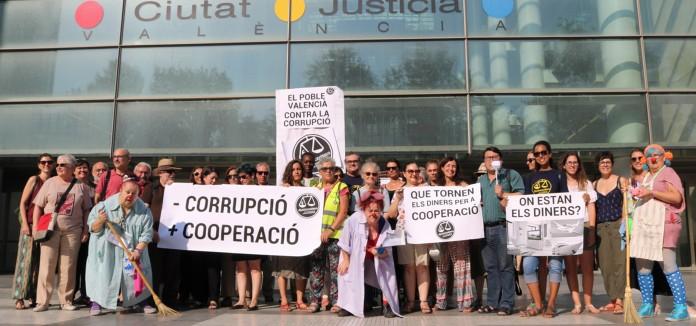 """_La_ciudadania_valenciana_pide_una_sentencia_justa_en_el_Caso_Blasco_que_ayude_a_""""limpiar_la_corrupcion"""""""