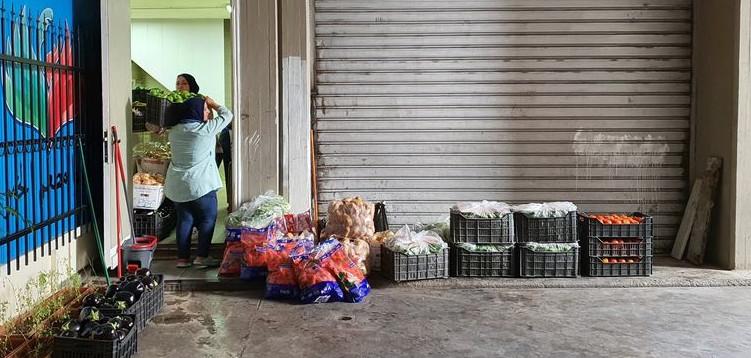 compra de productos frescos a los agricultores de Akkar. Foto hecha por Mada.