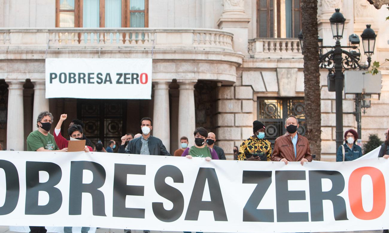 Imagen de la concentración de Pobresa Zero en València.