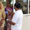 Reparto mascarillas en India. Manos Unidas